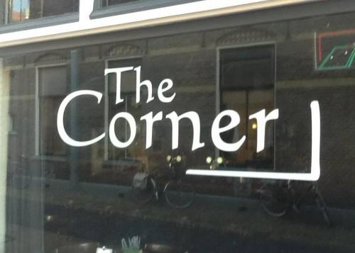 Corner, De